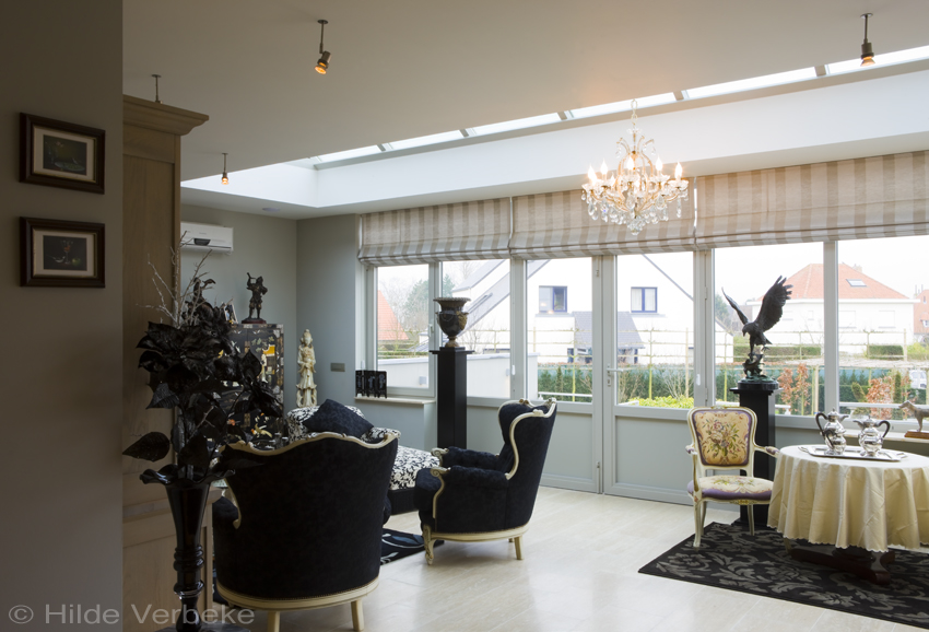 stijlvolle veranda met exclusief klassiek interieur luxe tuinkamer. Black Bedroom Furniture Sets. Home Design Ideas