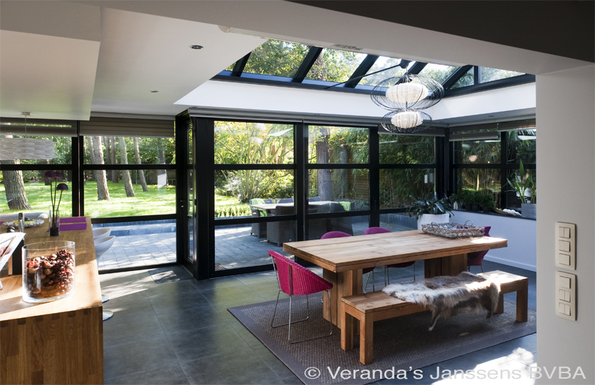 moderne leefveranda met open keuken aluminium veranda bouwen. Black Bedroom Furniture Sets. Home Design Ideas